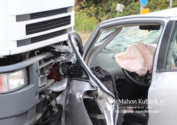 truck accident injury attorney syracuse ny